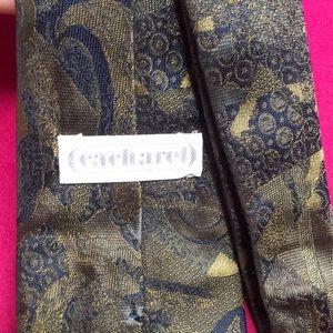 Cacharel tie